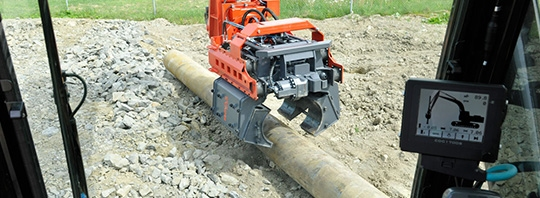 Movax Side Gripping Pile Driver